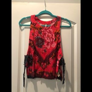 Free people tie side tank top!
